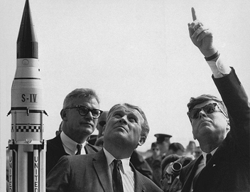 Wernher von Braun Explaining Saturn Launch System to US President  John F. Kennedy at Cape Canaveral, 1963. Courtesy of Wikimedia Commons.